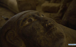 Tiết lộ về màu sơn bí ẩn trên quan tài 2.500 tuổi mới được tìm thấy