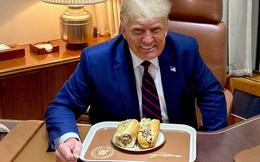 HOT: Tổng thống Mỹ Donald Trump lần đầu chia sẻ khoảnh khắc ăn bánh mì Việt Nam, nhận về hơn 640.000 likes chỉ sau nửa ngày