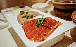[Video] Món vịt quay Bắc Kinh nổi tiếng có gì đặc biệt?