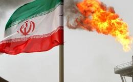 """Mỹ """"cố chấp"""" trừng phạt Iran: Phát súng không đạn?"""