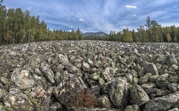 Chuyện ly kỳ về dòng sông không có nổi một giọt nước suốt hàng nghìn năm qua nhưng đẹp lung linh vì điều bất ngờ