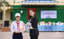 Trao tặng sách trên quê hương danh nhân văn hóa Vũ Diệm