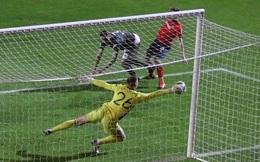 """Chùm ảnh: Màn ra mắt MU khiến người hâm mộ """"phát cuồng"""" của thủ môn Henderson"""