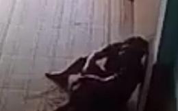 Cụ ông 73 tuổi chết trong tư thế treo cổ bên vợ nhỏ bị chém bất tỉnh
