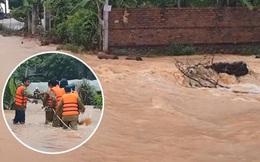 Bình Phước di dân vì nước bất ngờ dâng cao gần 2m