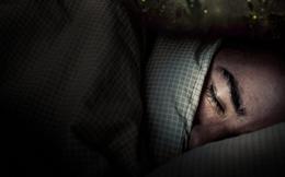 Ngủ mơ thấy có người bắt mình trả nợ, hơn chục ngày sau, chuyện kỳ lạ xuất hiện khiến người đàn ông hốt hoảng mang tiền đi trả