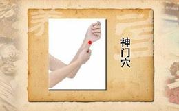 """Huyệt Thần Môn: """"Cánh cửa thần"""" mở kho thuốc 0 đồng hỗ trợ chữa nhiều bệnh từ thân đến tâm"""