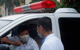 Video: Ông Đoàn Ngọc Hải chở bệnh nhân đầu tiên từ Hà Nội về quê