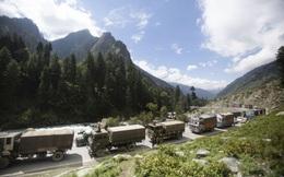 Xung đột Trung-Ấn mới nhất: Ấn Độ phong tỏa đường cao tốc chính, xe quân sự ùn ùn ra biên giới