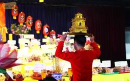 Toàn cảnh lễ giỗ Tổ nghề sân khấu ở Sài Gòn: Không nhất thiết phải lễ vật lớn, Tổ mới chứng!
