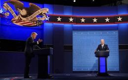 Cười trừ, lắc đầu: Ông Biden giữ bình tĩnh gần như suốt cuộc tranh luận nhưng lại nổi giận vì điều này