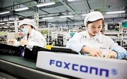 Công nhân Trung Quốc lắp ráp iPhone 12 'xuyên' Trung Thu để kịp ngày ra mắt