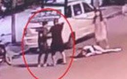 Vụ án gây phẫn nộ MXH Trung Quốc: Gã trai giết bạn gái cũ dã man ngay trên đường, người dân khuyên can cũng bị dùng dao truy đuổi