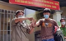 Người dân giúp cô gái bắt giữ gã bạn trai quen qua mạng lừa đảo