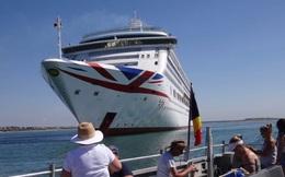 Tour du lịch 'tàu ma' trên thành phố nổi hút khách trong đại dịch COVID-19