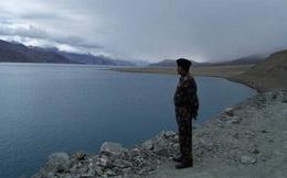 Ấn Độ chiếm ngược tiền đồn chiến lược từ TQ: Hàng nghìn binh sĩ leo lên đỉnh núi ngay giữa đêm