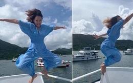 """Được bạn thân chụp ảnh cho theo phong cách """"bay nhảy"""" giữa biển khơi, thiếu nữ tái mặt với loạt hình như phù thủy khó tính"""