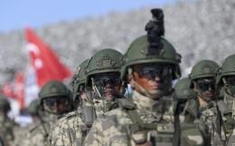 """Bóp nghẹt giữa hai mặt trận: Thổ Nhĩ Kỳ """"điêu đứng"""" khi thách đấu Nga ở Idlib"""