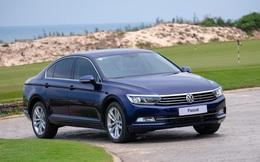 Đại hạ giá ô tô ở Việt Nam: Volkswagen mạnh tay giảm gần 200 triệu cho xe cạnh tranh Toyota Camry