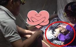 Bức ảnh người đàn ông soi đèn cạnh giường ngủ cho vợ, tiết lộ của cô con gái khiến tất cả xúc động