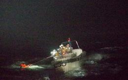 Người sống sót kể điều hãi hùng khi tàu hàng lao vào siêu bão mạnh nhất Thái Bình Dương năm 2020