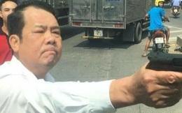 Danh tính giám đốc công ty bảo vệ chĩa súng dọa tài xế giữa đường, nói mình bị 'chửi láo'
