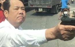 Giám đốc rút súng dọa tài xế ở Bắc Ninh: 'Họ vượt phải, tôi nhắc còn định rút dao đâm'
