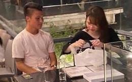 """""""Team qua đường"""" tung ảnh Quang Hải hẹn hò bạn gái tối qua, tiết lộ nghề nghiệp mà Huỳnh Anh giấu kín"""