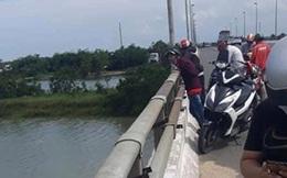 Quảng Nam: Thanh niên bỏ dép, xe máy, ví tiền trên cầu… rồi về nhà!