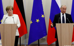 """Vụ đầu độc thủ lĩnh đối lập Navalny: Nga chỉ trích Đức """"chơi trò hai mặt"""""""