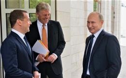 """Chiến dịch """"Người kế vị"""" - năm 2024 Medvedev có thể một lần nữa """"thay thế"""" Putin?"""