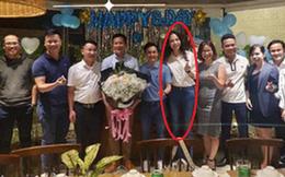 Tụ họp cùng công ty, Đàm Thu Trang chiếm trọn spotlight vì lần đầu lộ body sau 1 tháng sinh: Nuột thế này mà sao cứ giấu mãi?
