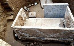 Bí ẩn mộ cổ cặp đôi 1400 tuổi nằm giữa kho báu xa hoa