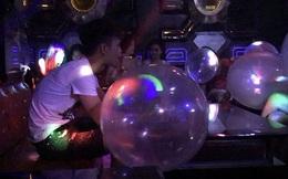 Hà Nội: Hít 3 quả bóng cười mỗi ngày, nam thanh niên 20 tuổi bị yếu tứ chi