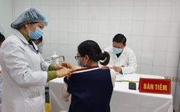 Nữ tình nguyện viên đầu tiên tiêm vắc xin COVID-19 của Việt Nam liều cao nhất