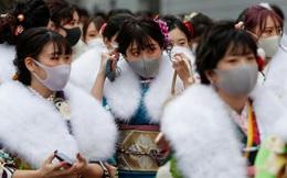 24h qua ảnh: Thiếu nữ Nhật Bản đeo khẩu trang dự lễ trưởng thành