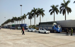 Đoàn xe chở 300 tấn hàng nghi là hàng lậu từ Quảng Ninh về Hà Nội tiêu thụ Tết