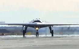 Siêu UAV tàng hình Nga nã bom nửa tấn trúng mục tiêu