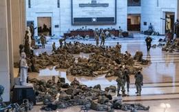 24h qua ảnh: Vệ binh Quốc gia Mỹ nằm la liệt trong Điện Capitol