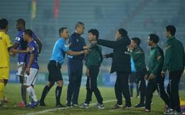 TRỰC TIẾP Nam Định 2-0 Hà Nội: Fan Nam Định ném chai lọ xuống sân, phản ứng tiểu xảo của ngoại binh Hà Nội FC