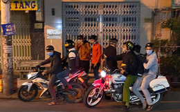 """Hình sự nổ súng, giải tán, khống chế nhóm """"quái xế"""" nẹt pô, đua xe trên phố ở Sài Gòn"""