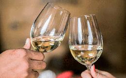 Nghiên cứu trên 300.000 người: Nguy cơ tử vong cao nếu uống rượu mà không ăn kèm món này