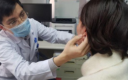 """Tạo tai Phật thay đổi vận mệnh, nhiều doanh nhân phải 'cầu cứu' bác sĩ vì gặp gặp biến chứng """"nát tai"""""""