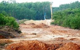 Vì sao chưa giao xong mặt bằng sạch cho dự án cao tốc Cam Lộ - La Sơn?