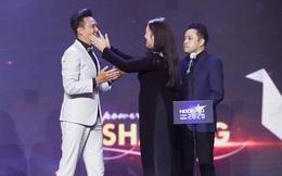 """Thanh Duy xúc động cảm ơn NSND Hồng Vân khi nhận giải """"Nam ngôi sao phim ảnh"""""""