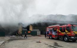 Cháy kho hàng hoá ở cửa khẩu Bắc Phong Sinh, gần chục tấn hàng hoá bị thiêu rụi
