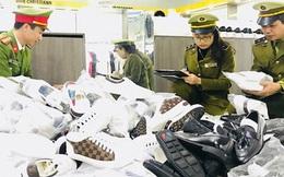 Thu giữ thêm hơn 5.000 sản phẩm giả thương hiệu nổi tiếng tại cửa hàng thời trang AE Shop Việt Nam, cơ sở Hà Nội và Bắc Giang