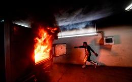 24h qua ảnh: Công nhân làm việc trong lò hỏa thiêu ở Mexico
