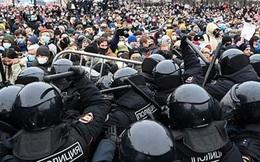 Nga bắt vợ Navalny và 600 người khác vì biểu tình trái phép