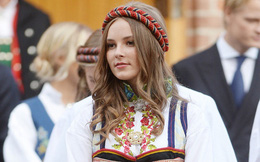 """Nữ hoàng tương lai của Na Uy """"gây sốt"""" MXH với vẻ ngoài xinh đẹp cùng khí chất khó ai bì kịp khi bước sang tuổi 17"""